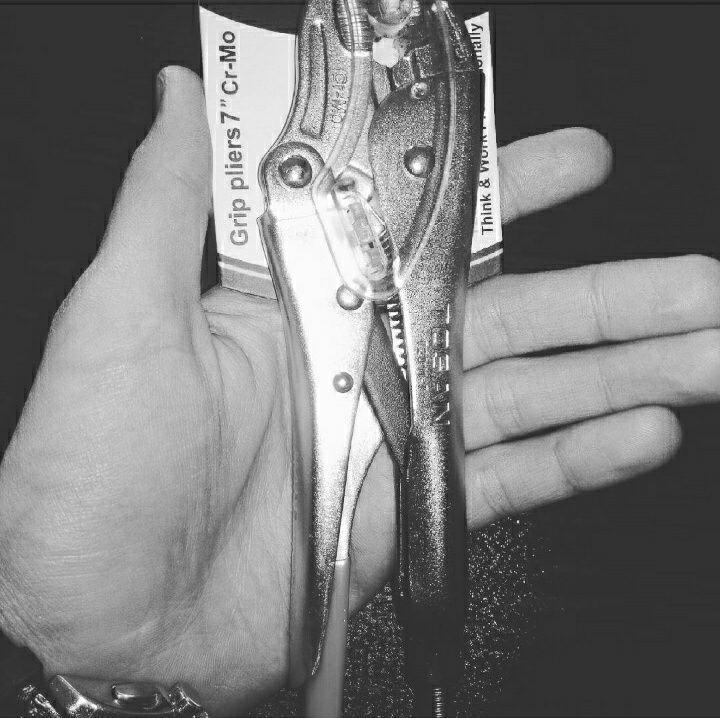 انبر قفلی توسن مدل T2011-7